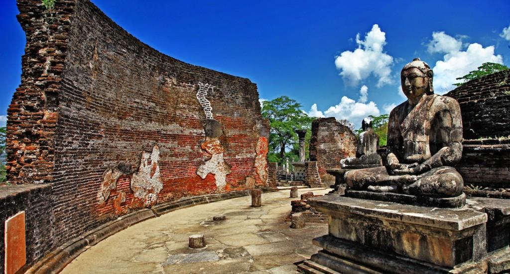 BUDDHA-STATUE-POLONNARUWA-copy1-1024x550