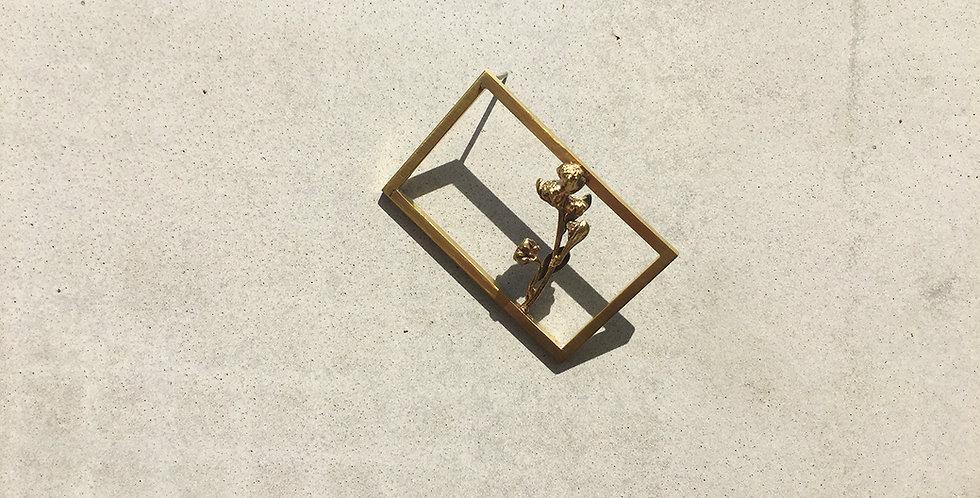 Brass Frame Brooch (5x2.5)