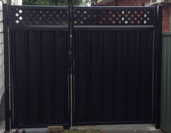 Colorbond Gate with Lattice Inserts