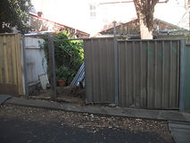 Old fence ready for replacment by Fencing Sydney