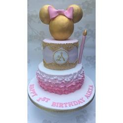 #minniemousecake #minniemouse #1stbirthday #cake #newcastlecakedecorator #rufflecakes