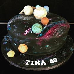 #spacecake #solarsystemcake #nebula #40thbirthday #newcastlecakedecorator #cake