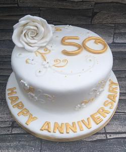#50thanniversary #goldenwedding #cake #newcastlecakedecorator #goldenanniversary