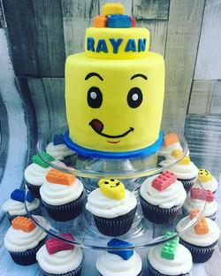 #lego #legocake #legocupcakes #legobricks #legoheads #newcastlecakedecorator #cake #cakecakecakenewc