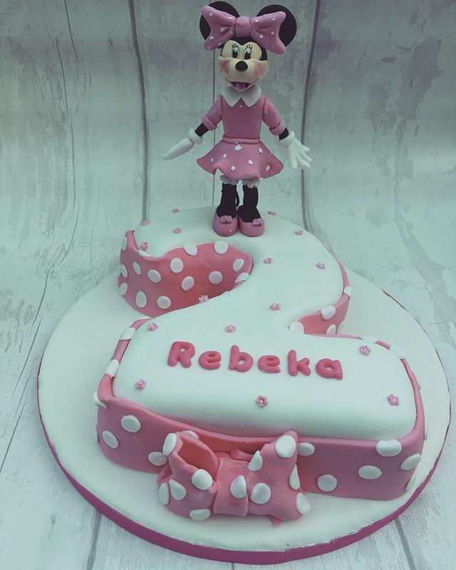 #minniemousecake #minniemouse #disney #disneycake #2ndbirthday #newcastlecakedecorator #cake #cakeca