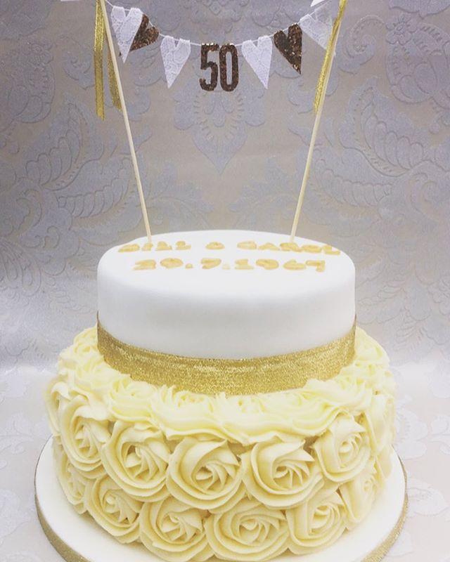 #goldenanniversary #goldenanniversarycake #cakecakecakenewcastle #newcastlecakedecorator