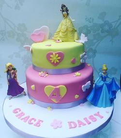 Happy 4th birthday Grace and Daisy! #princesscake #4thbirthday #newcastlecakedecorator #cakecakecake