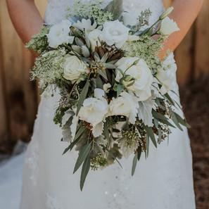 wedding-venue-villa-rica-bride-flowers.J