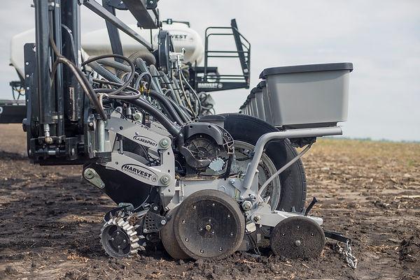 Harvest International LaserPro1 Row Unit in Field