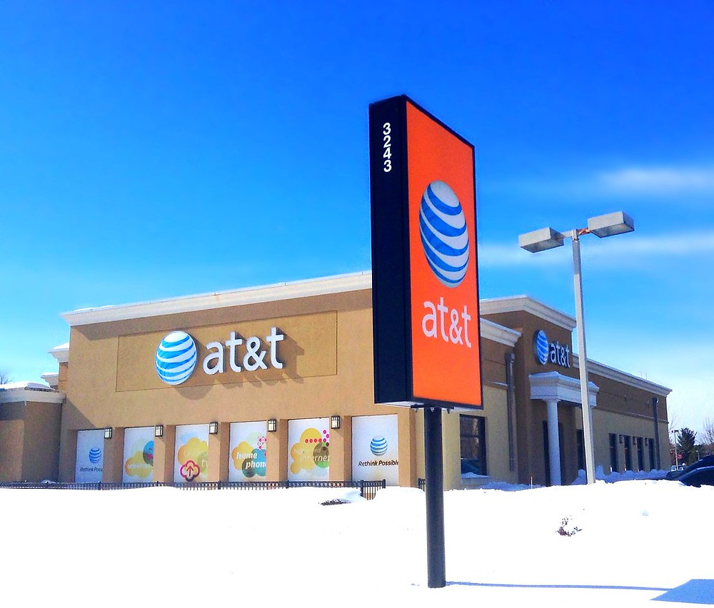AT&T brick and mortar cellular service store on a sunny day