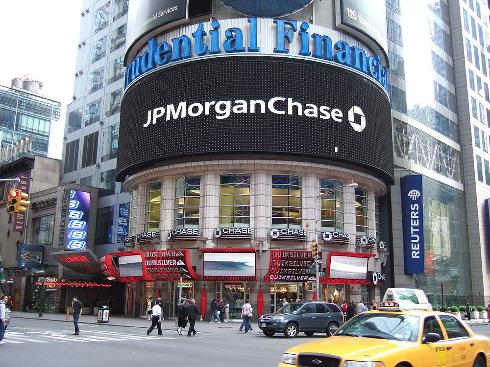 Street view of JPMorgan Chase building in New York City