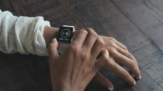 Современные цифровые часы