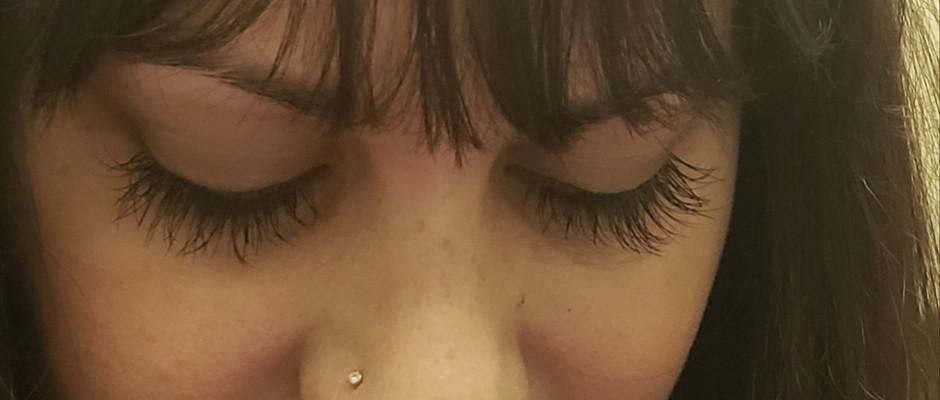 Allie keeps her lashes shorter & natural