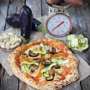 פיצה אנטיפסטי - חציל, קישוא, בטטה ושום קונפי