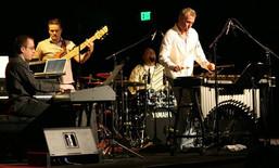 """Geoffrey Keezer, Mike Pope, Jeff """"tain"""" Watts, Joe Locke"""