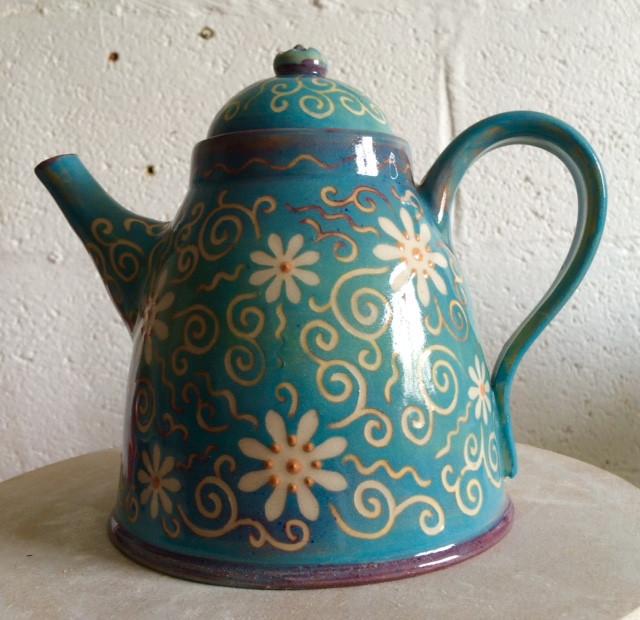 daisy teapot.jpg
