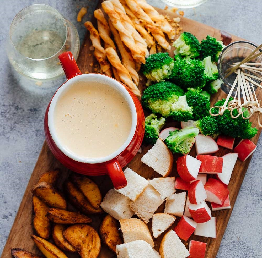Recipe for Cheese Fondue with White Wine