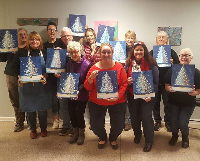 🎄❄🎄 Thanks for joining us for our Holiday Paint and Wine Party with _grossepha 🎄❄🎄