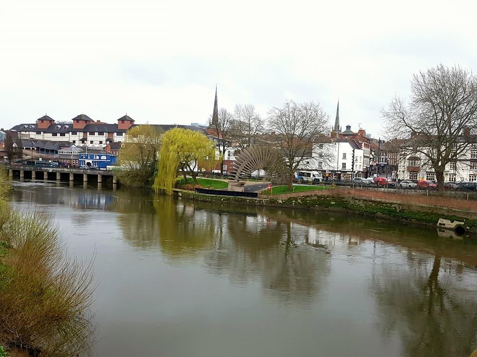 學校附近的河畔美麗英式市鎮Shrewsbury