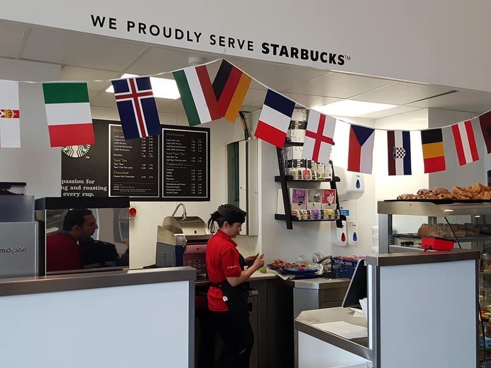 學生飯堂內設Starbucks咖啡店