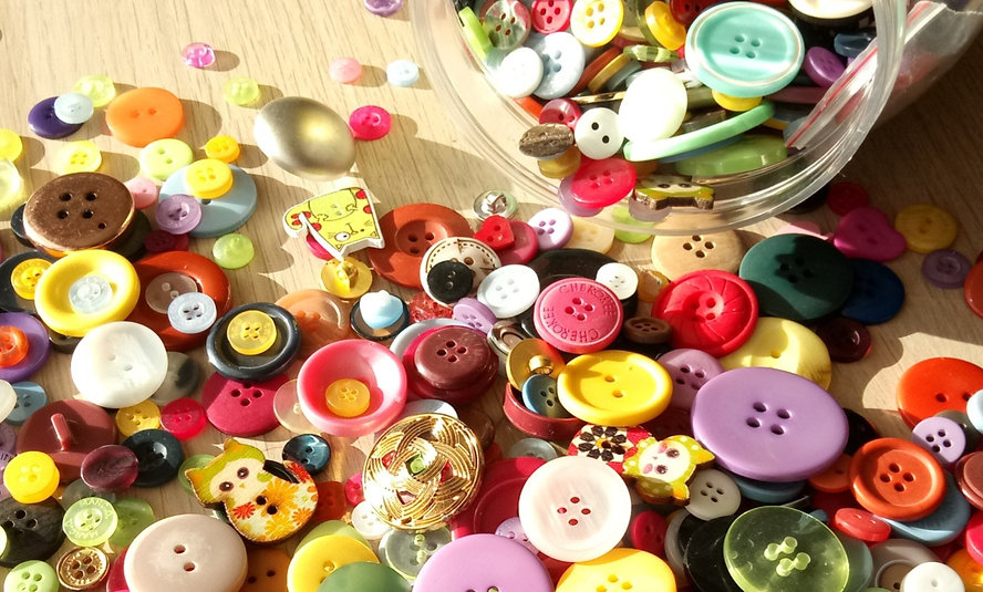 Scattered Buttons_SusieButtons_edited_edited_edited.jpg