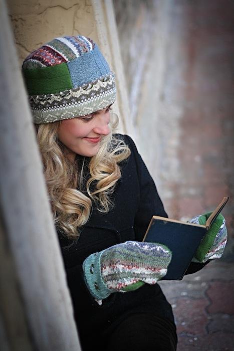 Pillbox Hat & Mitten/Cool Colors