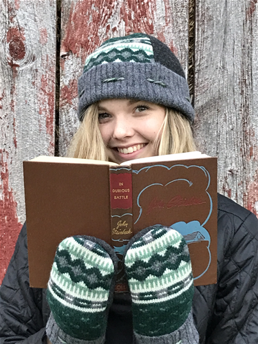 Cuppy Hat and Mittens to Match