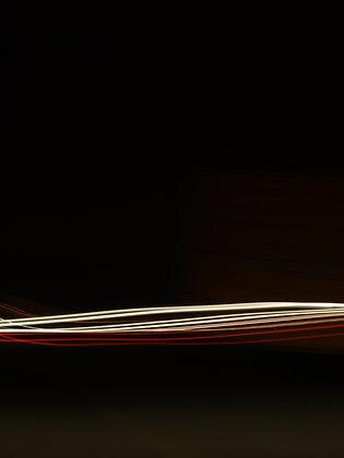 צילום של תנועה בשחור אדום לבן