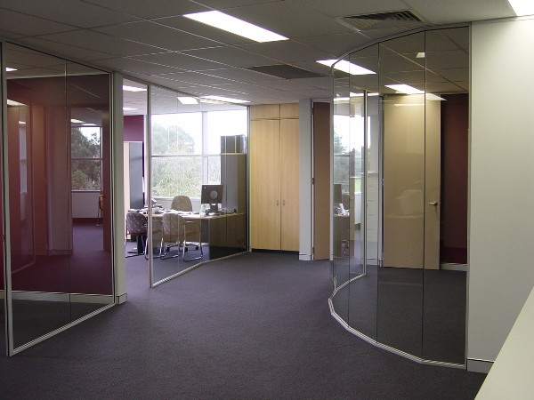 curved full height partitions