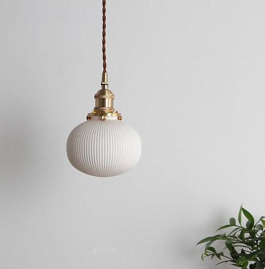 Bold White Lamp (PO374)