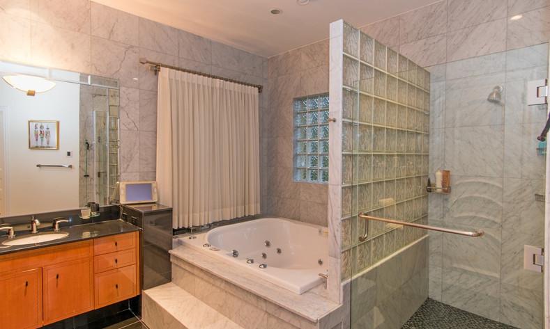 master bath.v1 (1).jpg