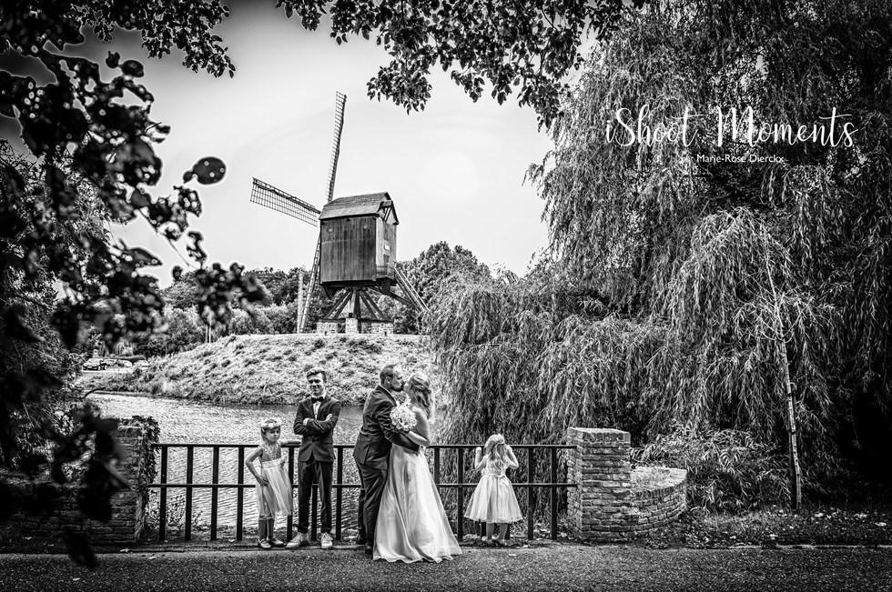 Huwelijksfotograaf iShoot Moments uit Ekeren, werkzaam in heel België en ook in het buitenland. Contacteer me snel voor meer info!
