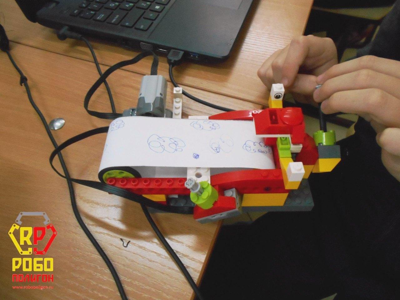 robopoligon_PervoRobot-2_8