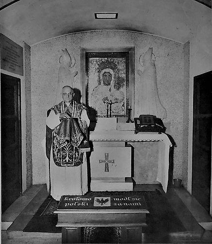 Skoniecki Low Mass at Vatican chapel.jpg