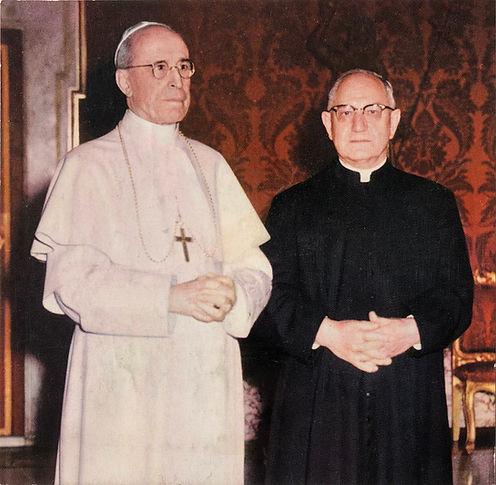 Father_Skoniecki_Pope_Pius XII.JPG