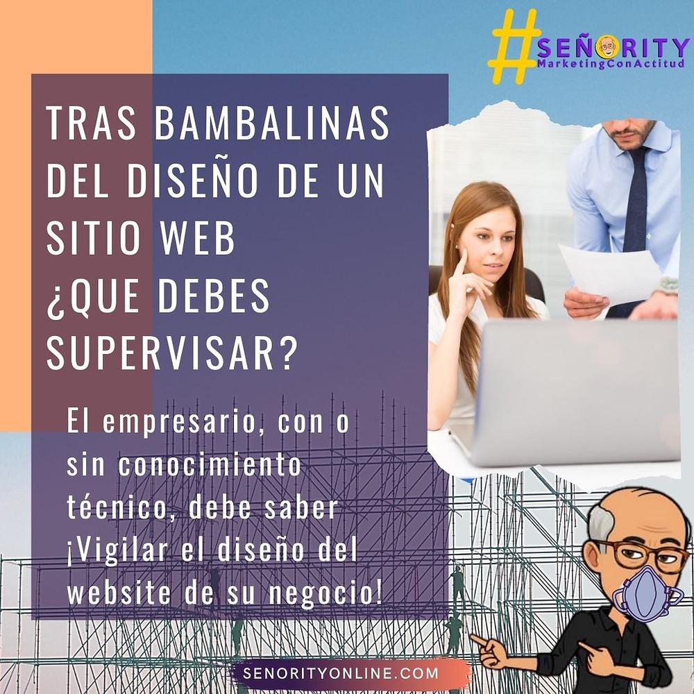 Empresario supervisando a su diseñadora web