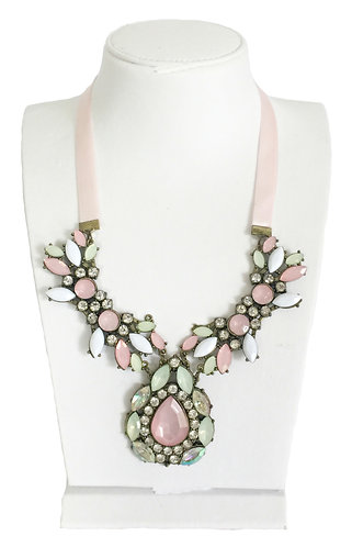 Trendy Opal Crystals Vintage Necklace