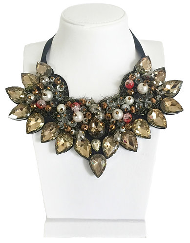 Trendy Crystals with Pearl Statement Vintage Necklace