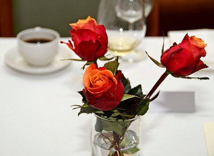 003 Red Roses on Wedding Table.JPG