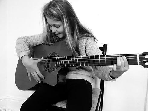 guitarundervisning_edited.jpg