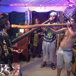 Didgeridoo share