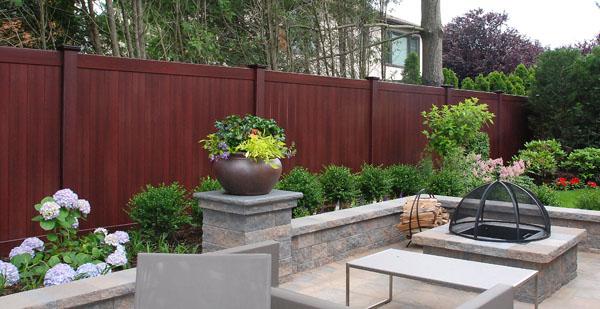 fence-matching-hardscape-vinyl-wood-mahogany