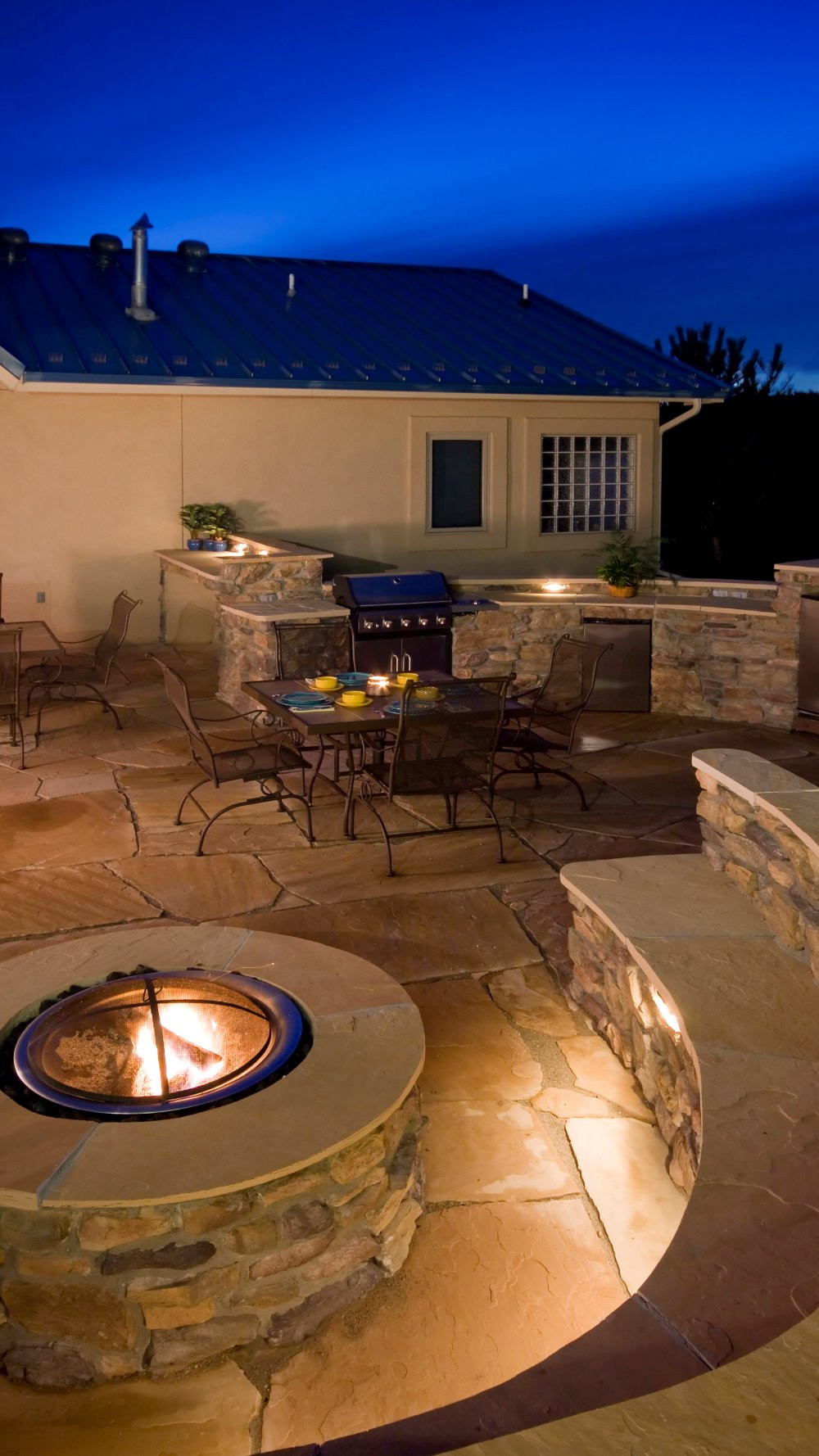Firepit and outdoor bbq oasis.