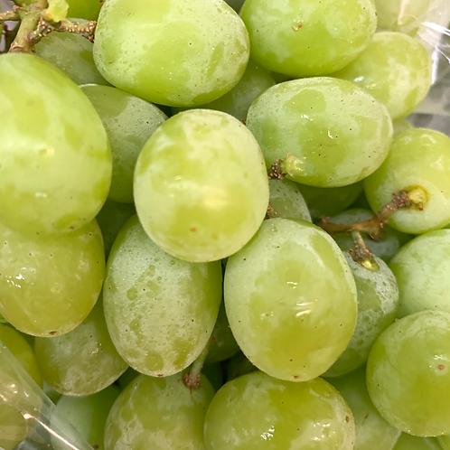 Green seedless grapes (1.8-2 lbs.)