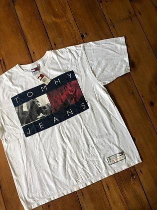 New Vintage Tommy Hilfiger Skateboard t-Shirt