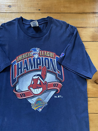 Vintage 1997 Cleveland Indians Pro Player T-Shirt