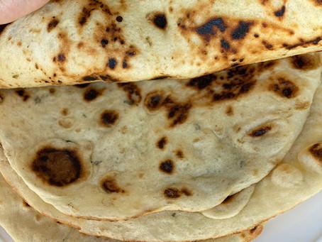 פיתה יוונית (לחם מחבת שטוח)