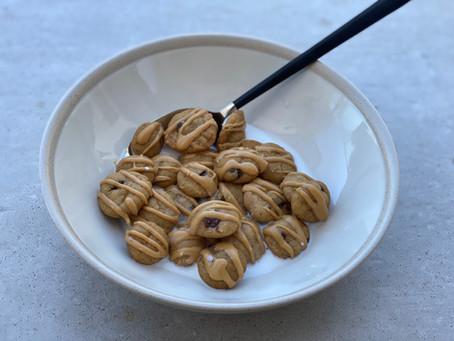 """מתוקים - """"קורנפלקס"""" מיני עוגיות חמאת בוטנים ושוקולד צ'יפס"""