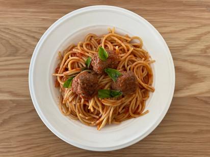 אוכל איטלקי - ספגטי מיטבולס (כדורי בשר)