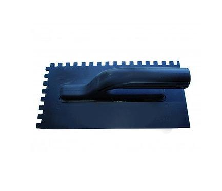 Зубчатая кельма (гладилка) пластмассовая 280х140 мм, толщина 3 мм